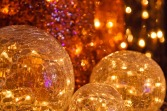 1-Christmas-ornaments-background-22113_960_720