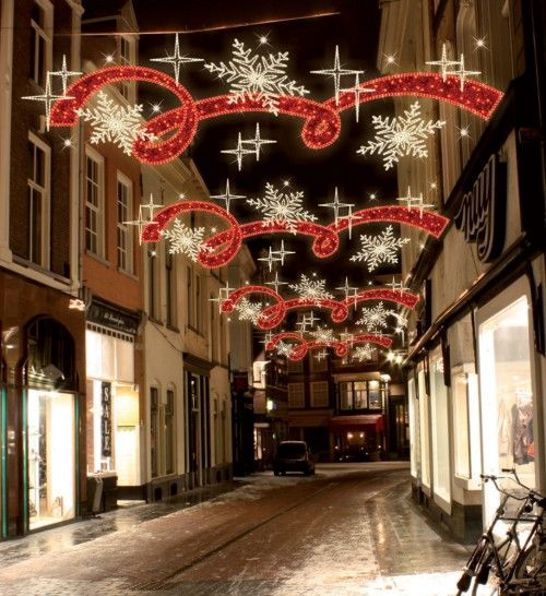 Snowflake stars & red ribbon lights
