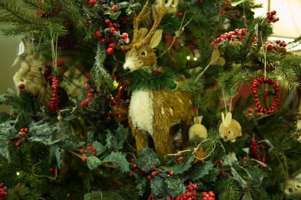Plush-toy ornaments including deer, bunny and more.